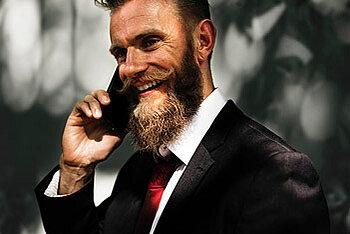 Hipster am Telefon